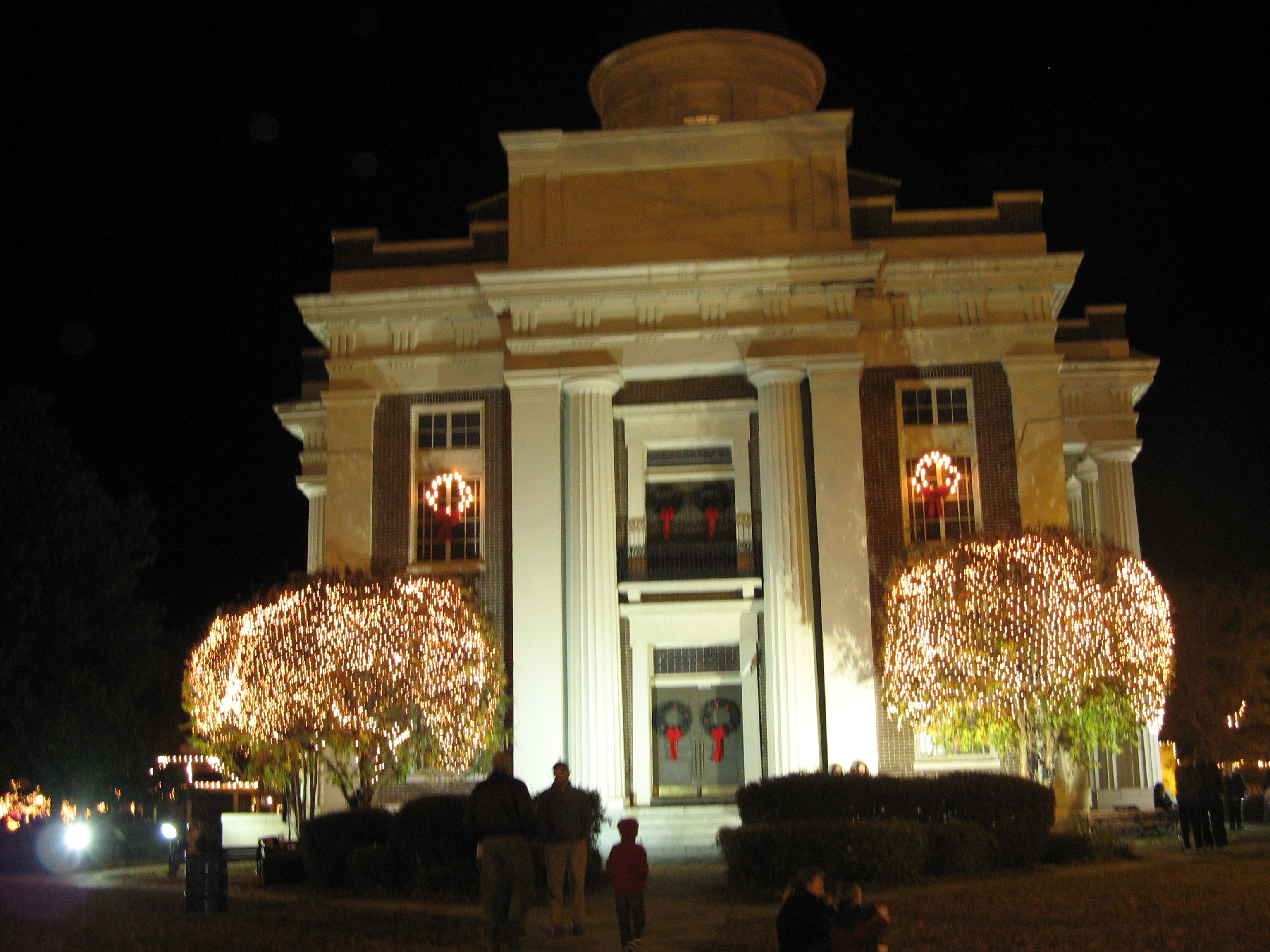 Christmas in Canton, MS- City of Lights – Traveling With T