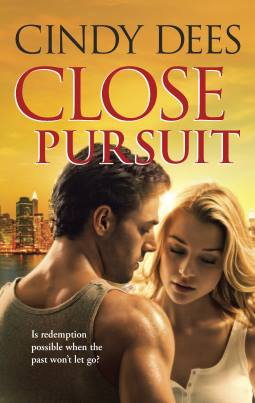 Close Pursuit by Cindy Dees giveaway