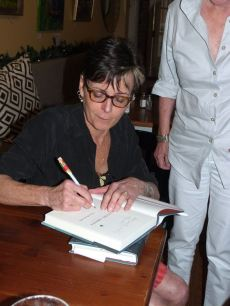 Lisa Howorth signing Flying Shoes