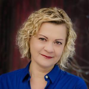 Sonja Yoerg, author of House Broken